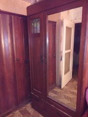 Старинные шкаф