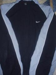 Продаётся куртка спортивная (мастерка)